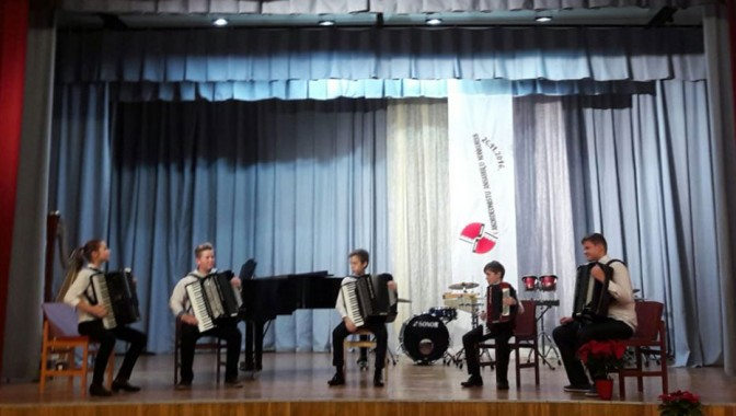 V mūzikas skolu audzēkņu ansambļu un kameransambļu konkurss