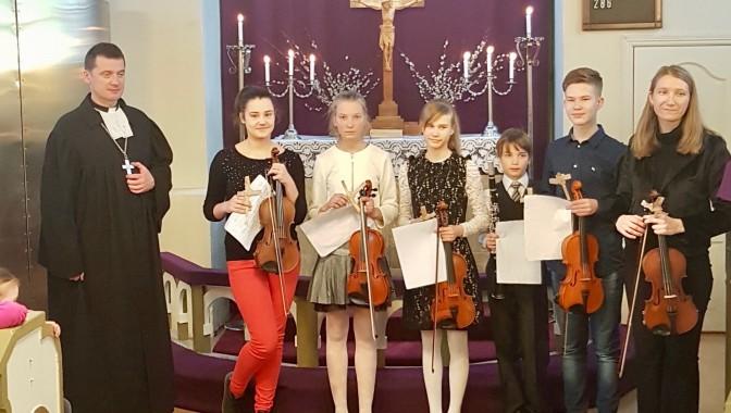 Vijolnieku koncerts Pūpolsvētdienā